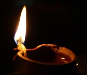 cropped-oil_lamp2.jpg