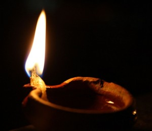 cropped-oil_lamp2.jpg