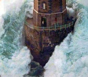 lighthouse_wave