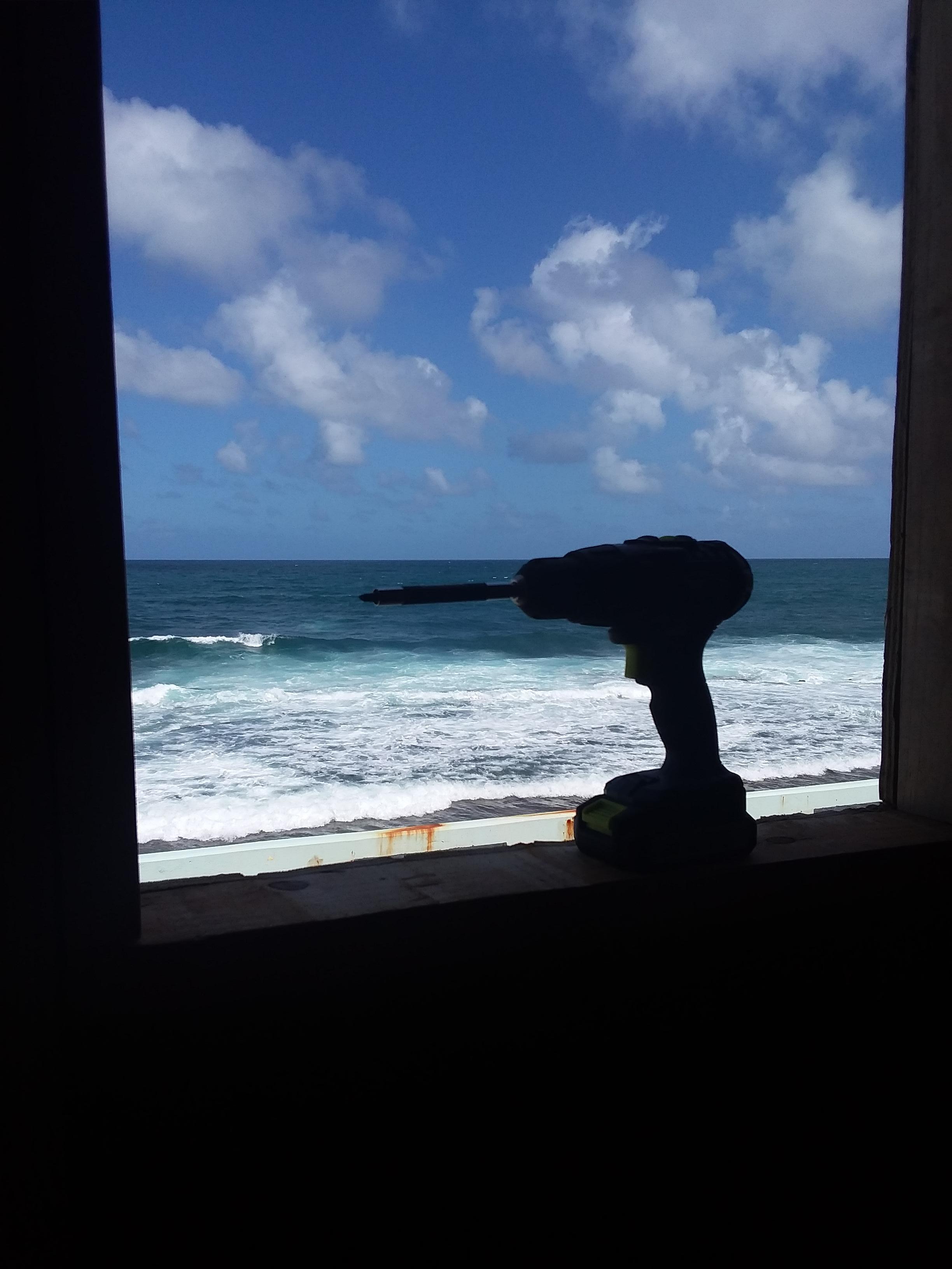 la perla window work